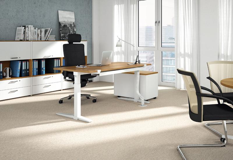 König & Neurath Bürostuhl & Schreibtisch - Büroeinrichtung Arnold